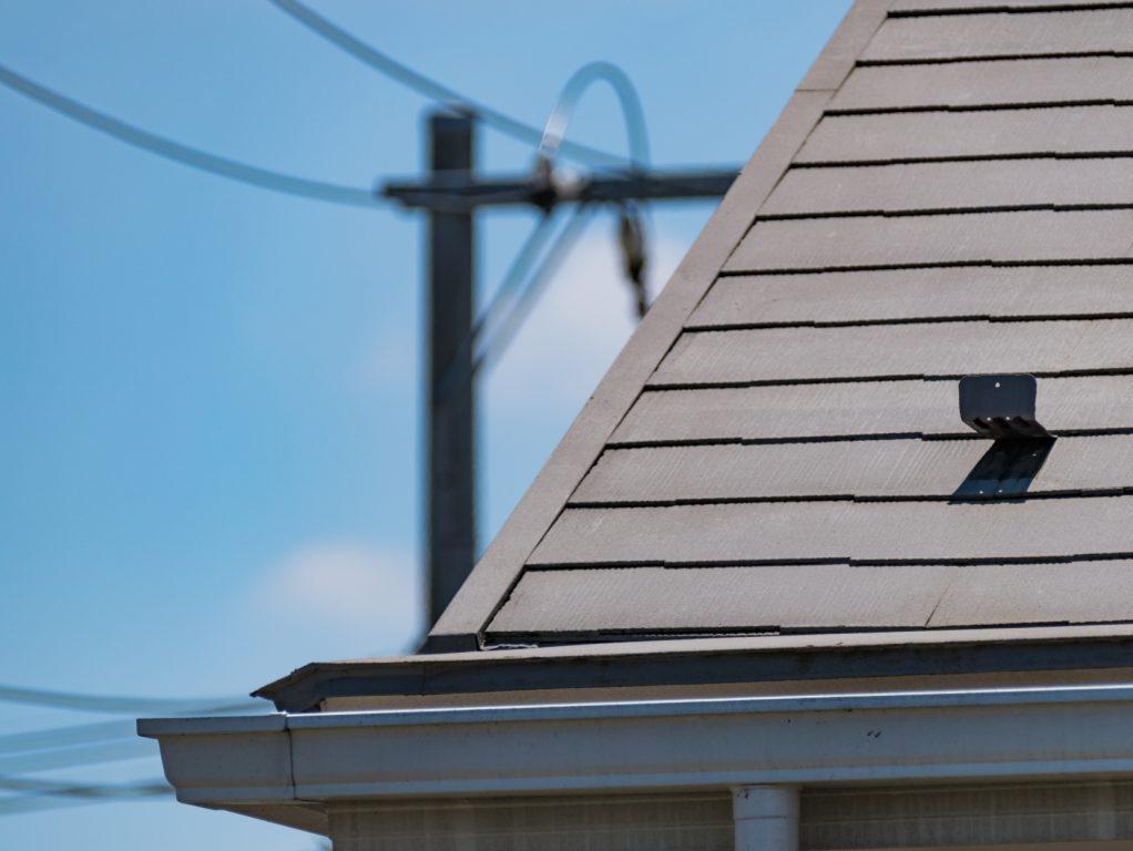 厳しい自然環境にも耐える屋根塗装を