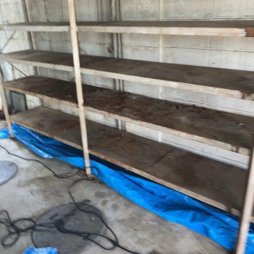 佐野市,ガレージ内の棚の塗装工事